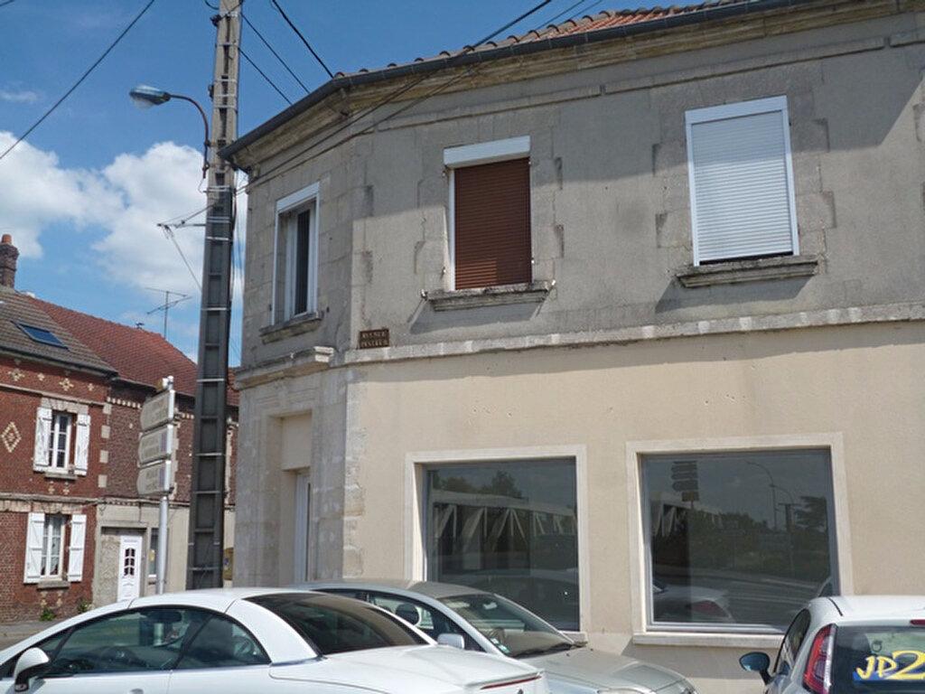 Location Local commercial  à Crépy-en-Valois - vignette-1