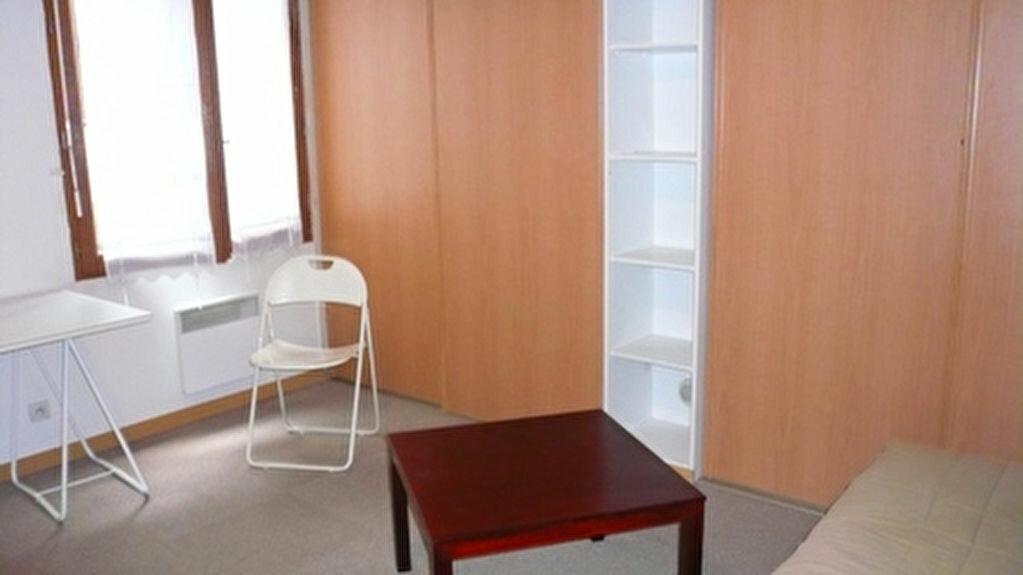 Location Appartement 1 pièce à Senlis - vignette-1