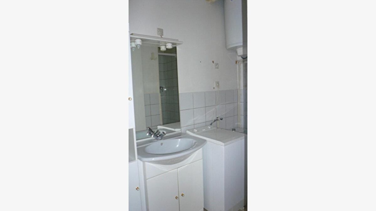 Location Appartement 1 pièce à Senlis - vignette-3