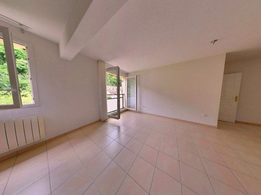 Achat Appartement 3 pièces à Verneuil-en-Halatte - vignette-2