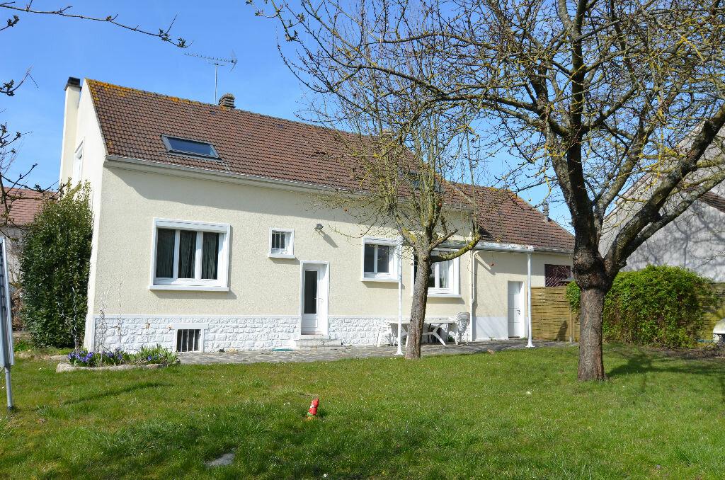 Achat Maison 8 pièces à Le Plessis-Belleville - vignette-1