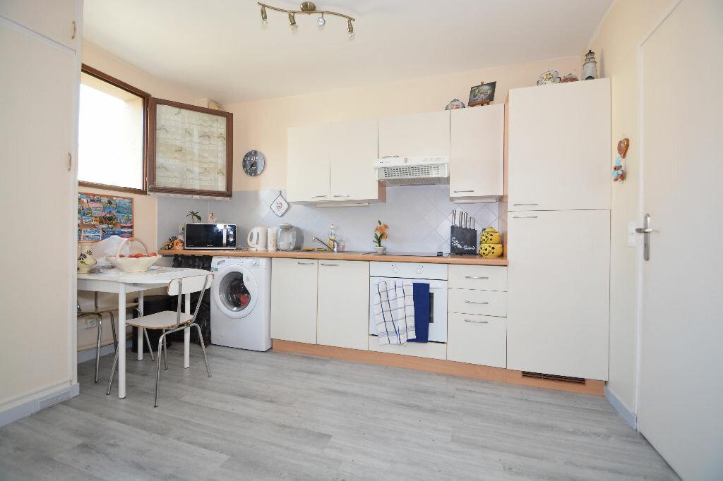 Achat Appartement 2 pièces à Le Plessis-Belleville - vignette-2