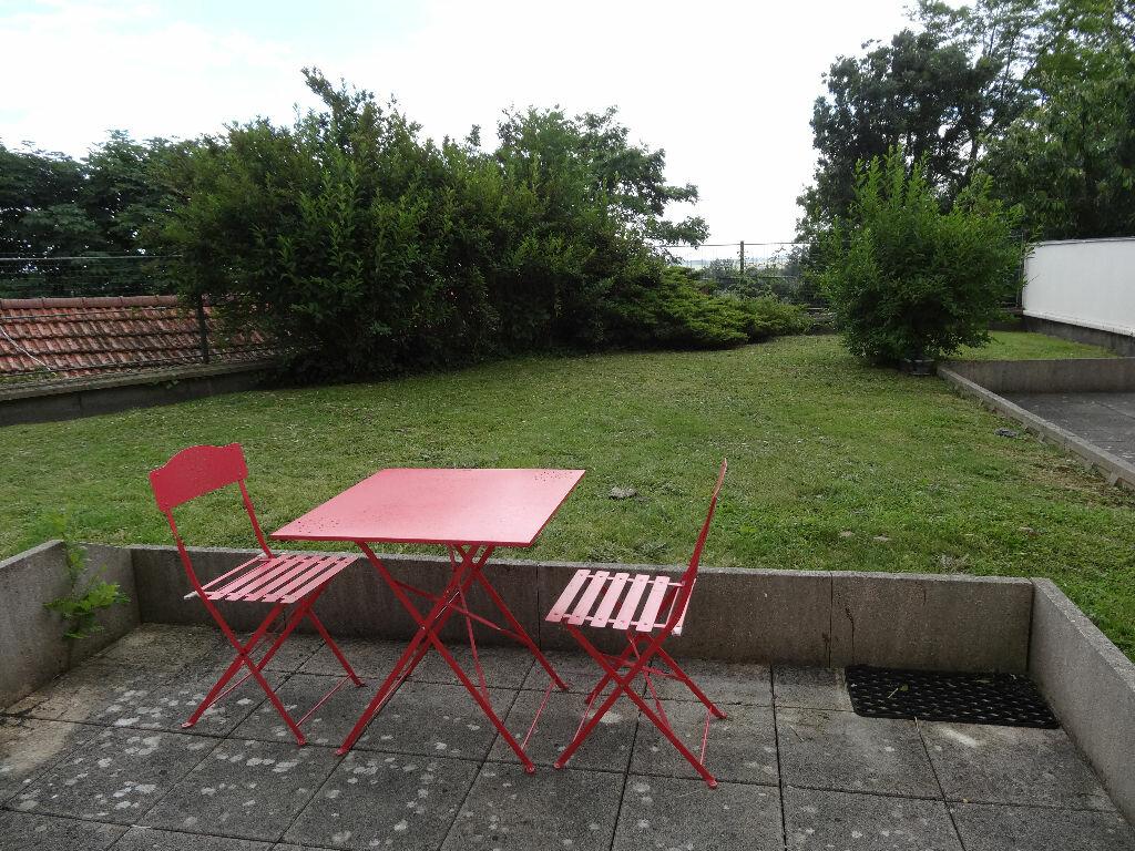 Achat Appartement 2 pièces à Dammartin-en-Goële - vignette-2