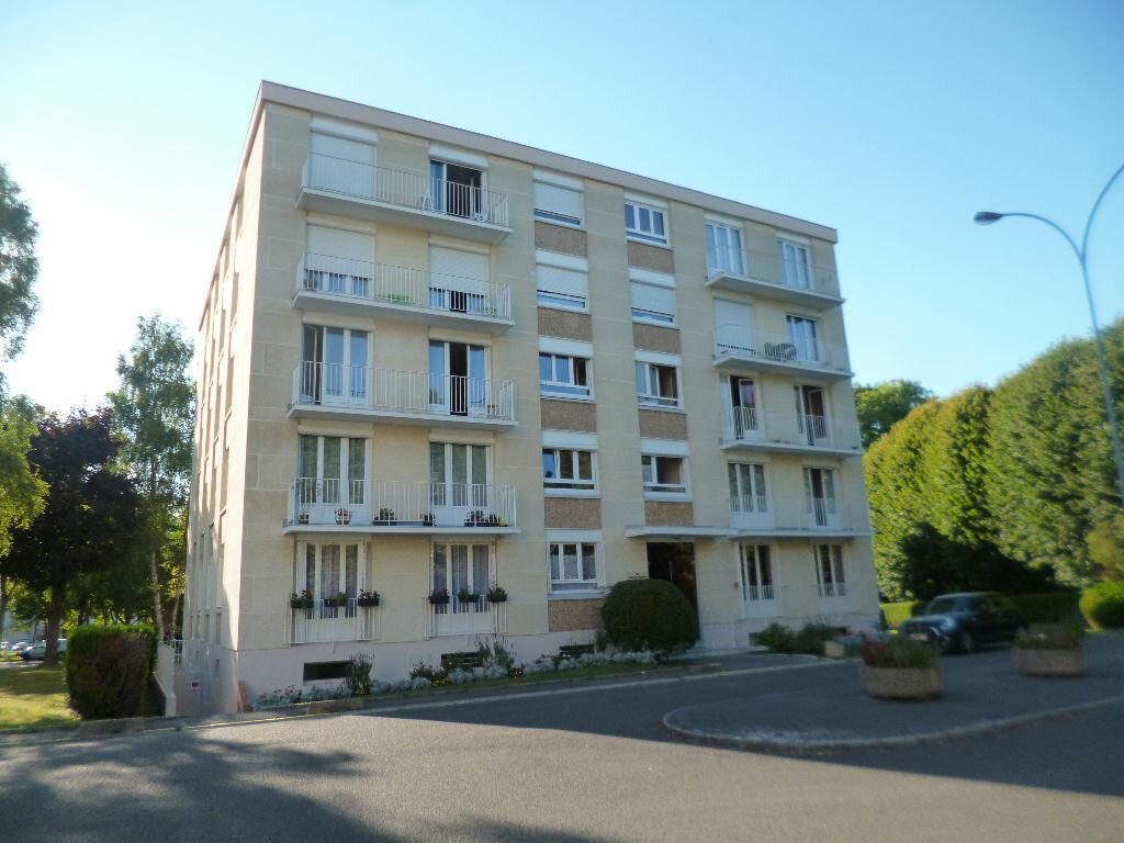 Location Appartement 3 pièces à Senlis - vignette-1