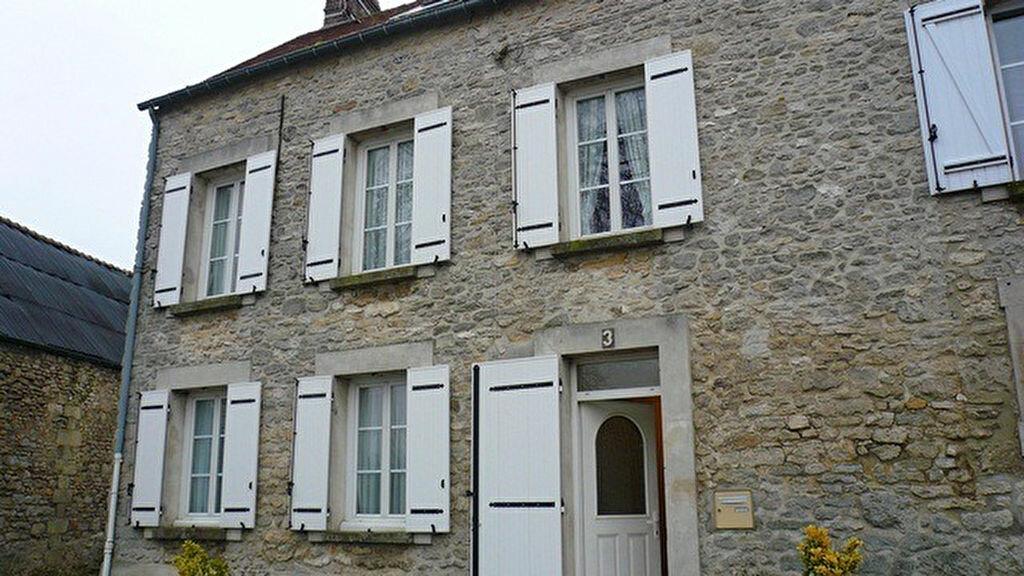 Location Maison 5 pièces à Barbery - vignette-1
