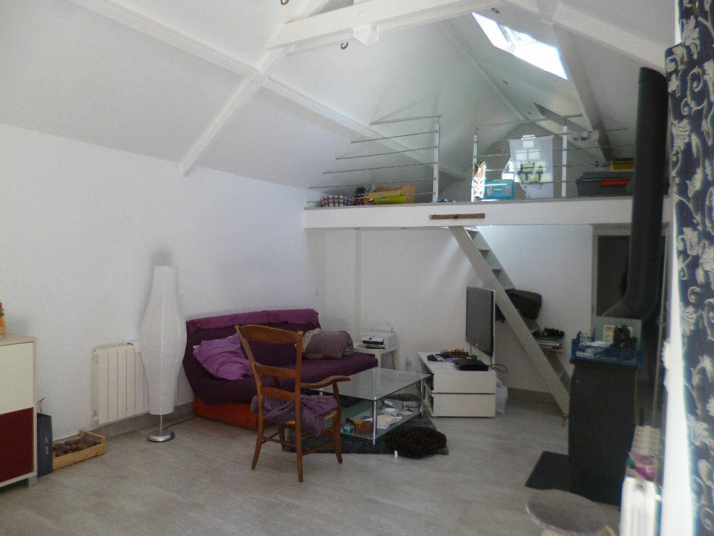 Location Maison 3 pièces à Thiers-sur-Thève - vignette-1