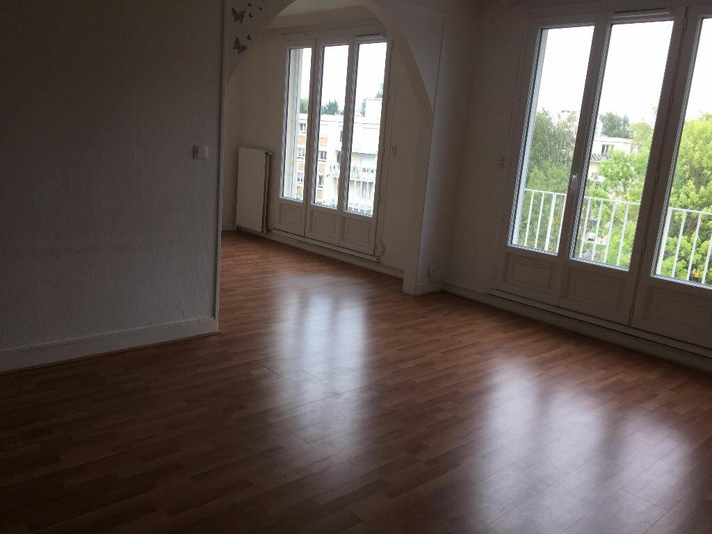 Location Appartement 4 pièces à Senlis - vignette-2