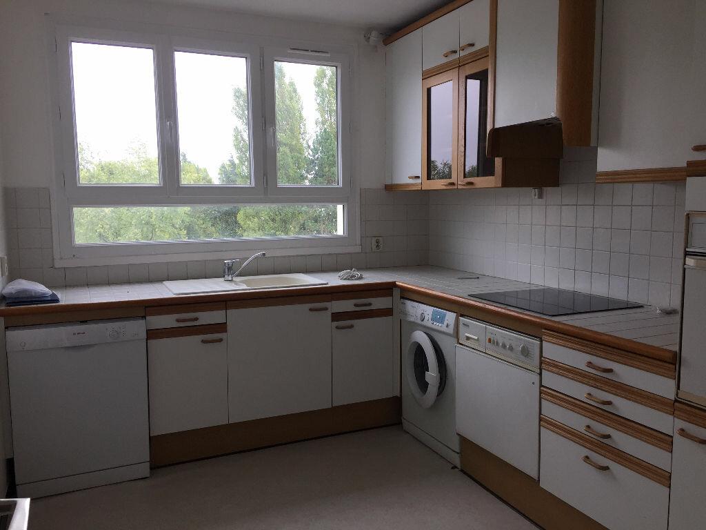 Location Appartement 4 pièces à Senlis - vignette-3