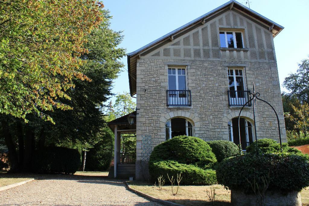 Location Maison 6 pièces à Senlis - vignette-1
