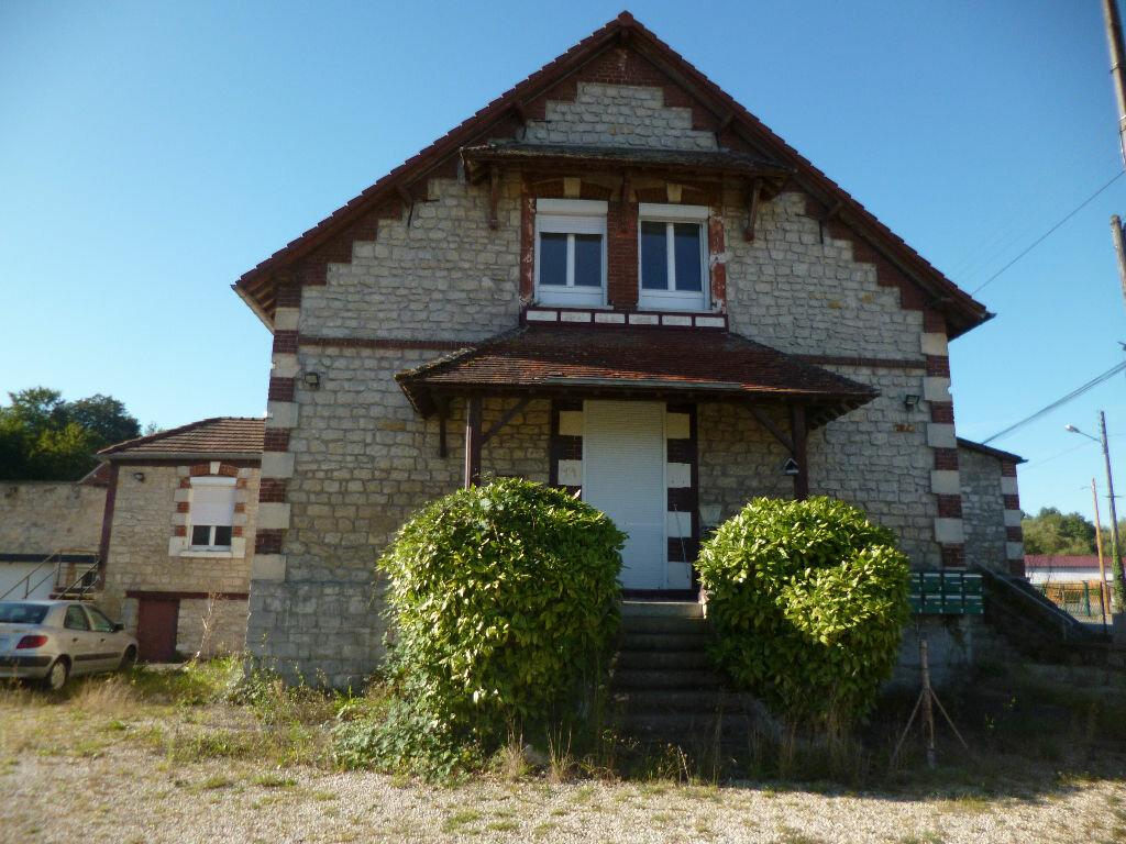 Achat Immeuble  à Pont-Sainte-Maxence - vignette-1