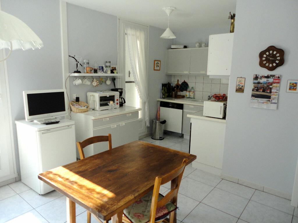 Achat Appartement 4 pièces à Montivilliers - vignette-4