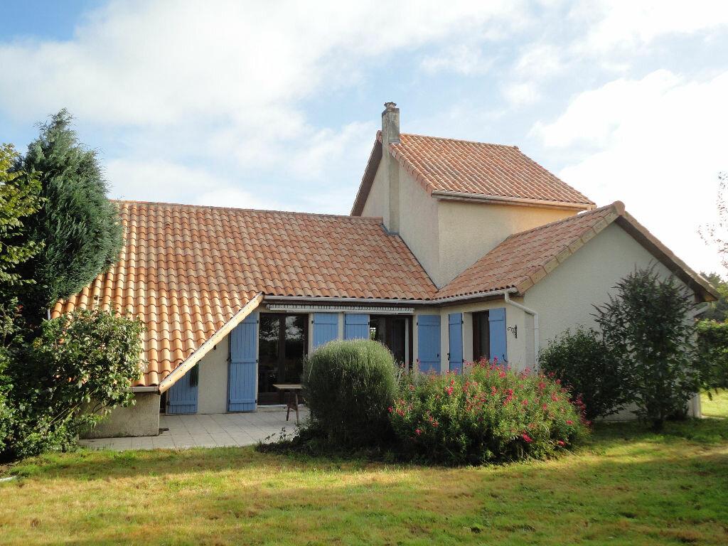 Achat Maison 6 pièces à Saint-Sauveur-d'Émalleville - vignette-1
