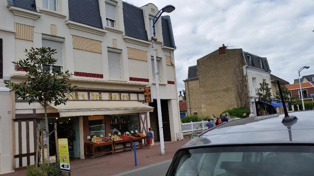 Achat Immeuble  à Merville-Franceville-Plage - vignette-1