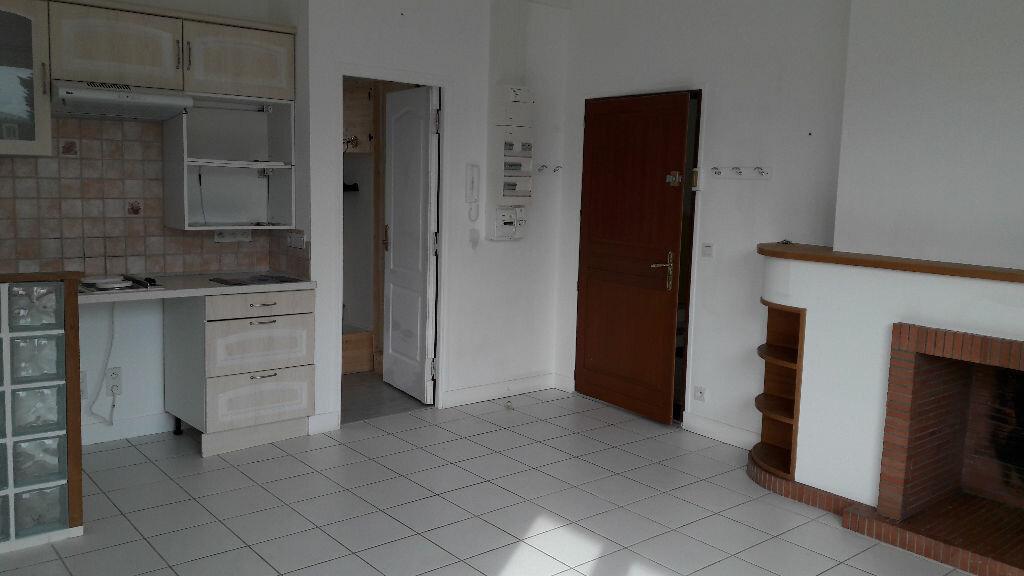 Location Appartement 2 pièces à Merville-Franceville-Plage - vignette-1