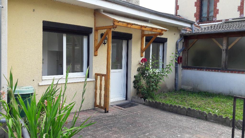 Location Appartement 1 pièce à Sallenelles - vignette-1