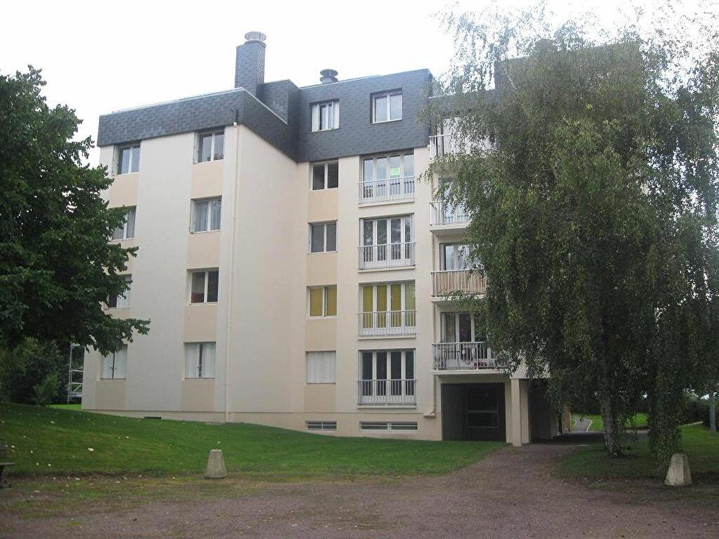 Location Appartement 3 pièces à Hérouville-Saint-Clair - vignette-1