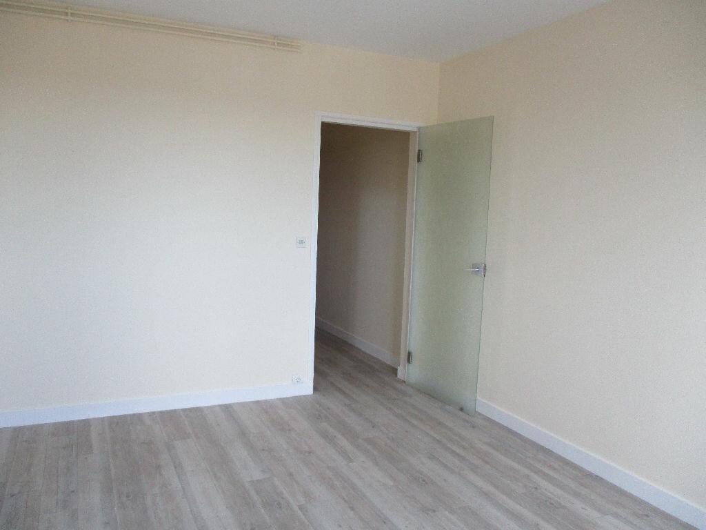 Location Appartement 1 pièce à Joué-lès-Tours - vignette-2