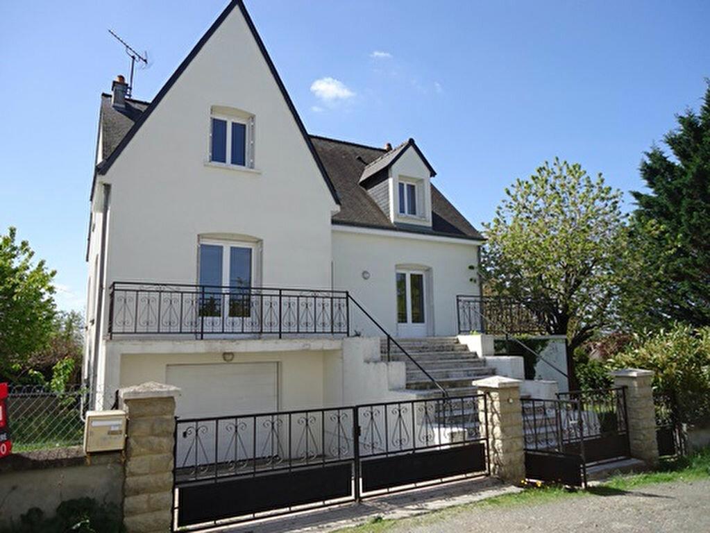 Location Maison 7 pièces à Athée-sur-Cher - vignette-1