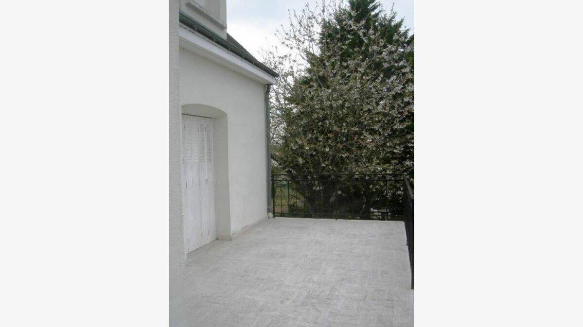 Location Maison 7 pièces à Athée-sur-Cher - vignette-2