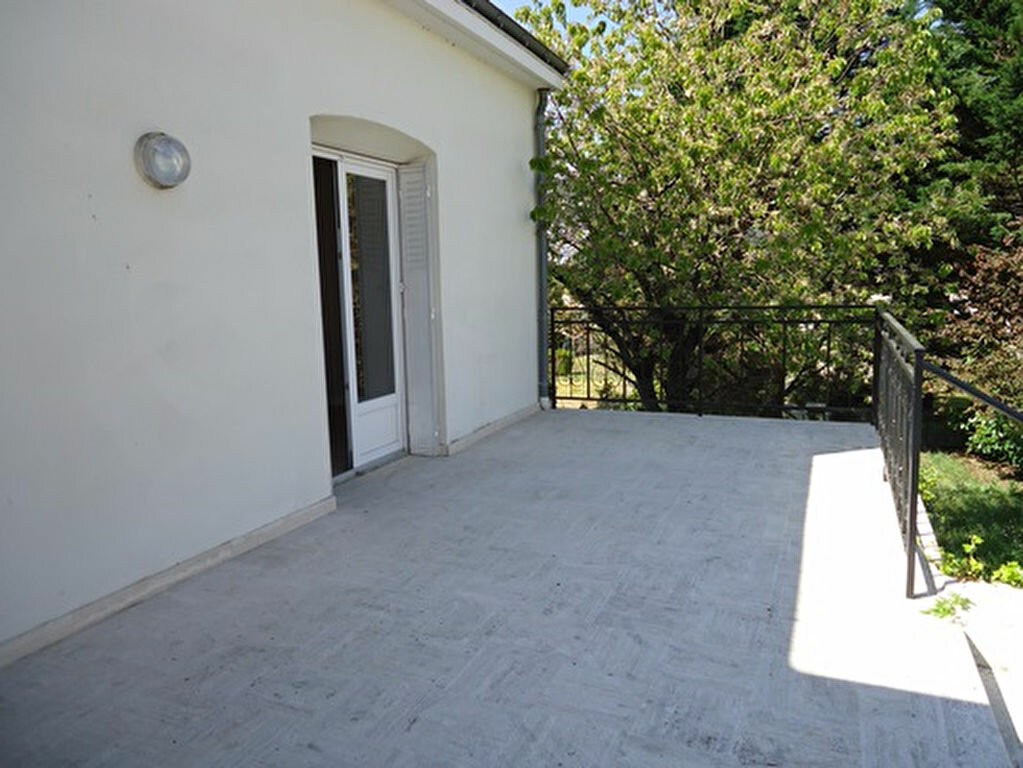 Location Maison 7 pièces à Athée-sur-Cher - vignette-3