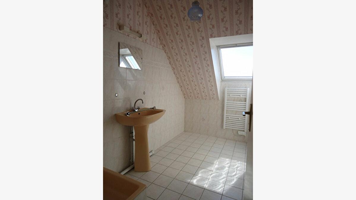 Location Maison 7 pièces à Athée-sur-Cher - vignette-12