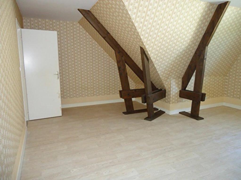 Location Maison 7 pièces à Athée-sur-Cher - vignette-16