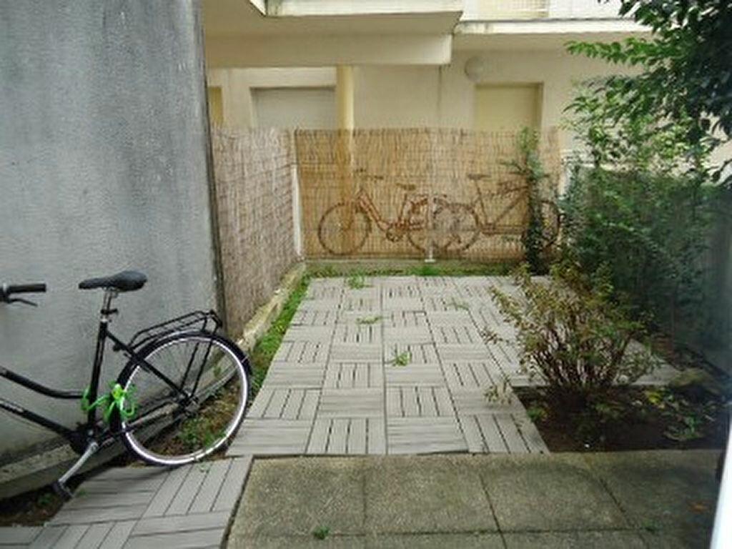 Location Appartement 2 pièces à Tours - vignette-1