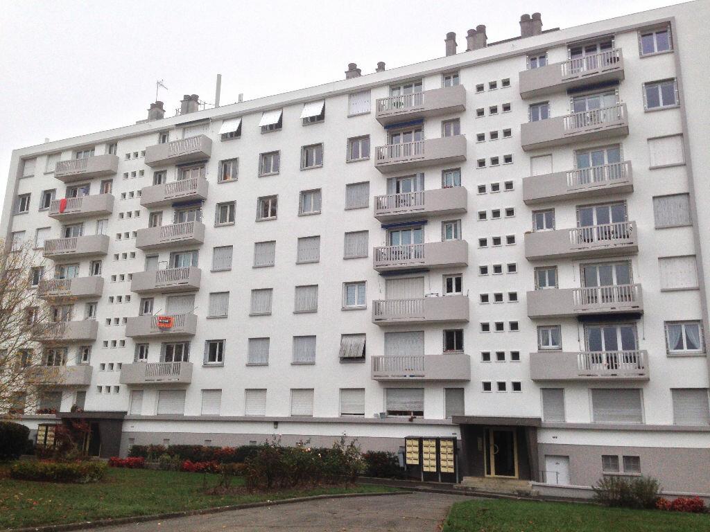 Location Appartement 5 pièces à Tours - vignette-1