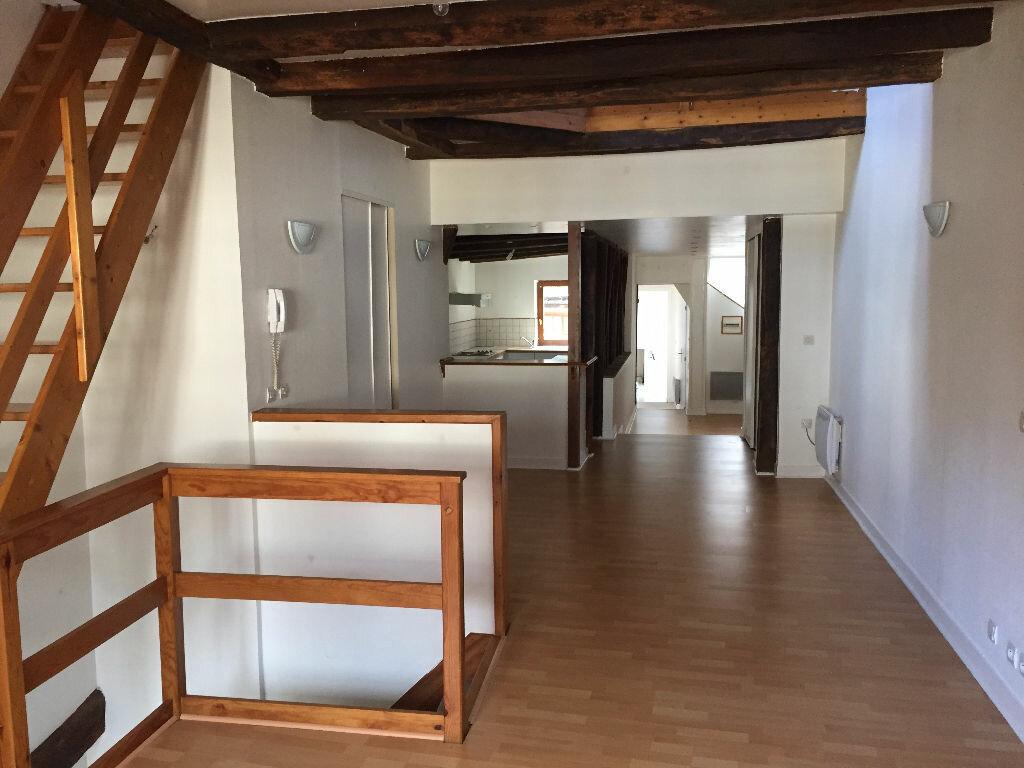 Location Appartement 3 pièces à Montbazon - vignette-1