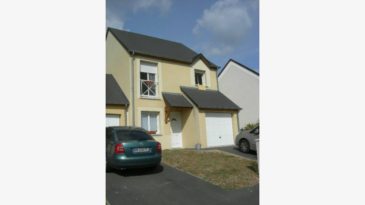Location Maison 4 pièces à Bléré - vignette-1