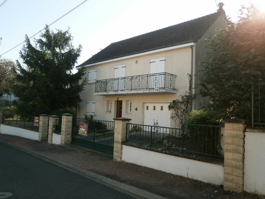 Location Maison 4 pièces à Azay-sur-Cher - vignette-1