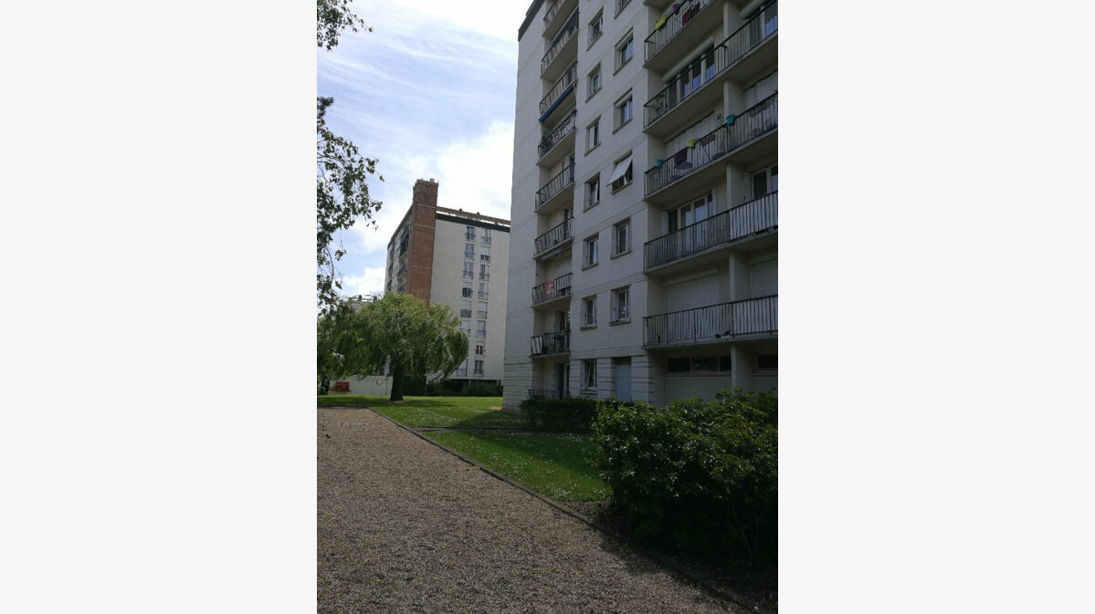 Location Appartement 4 pièces à Tours - vignette-1