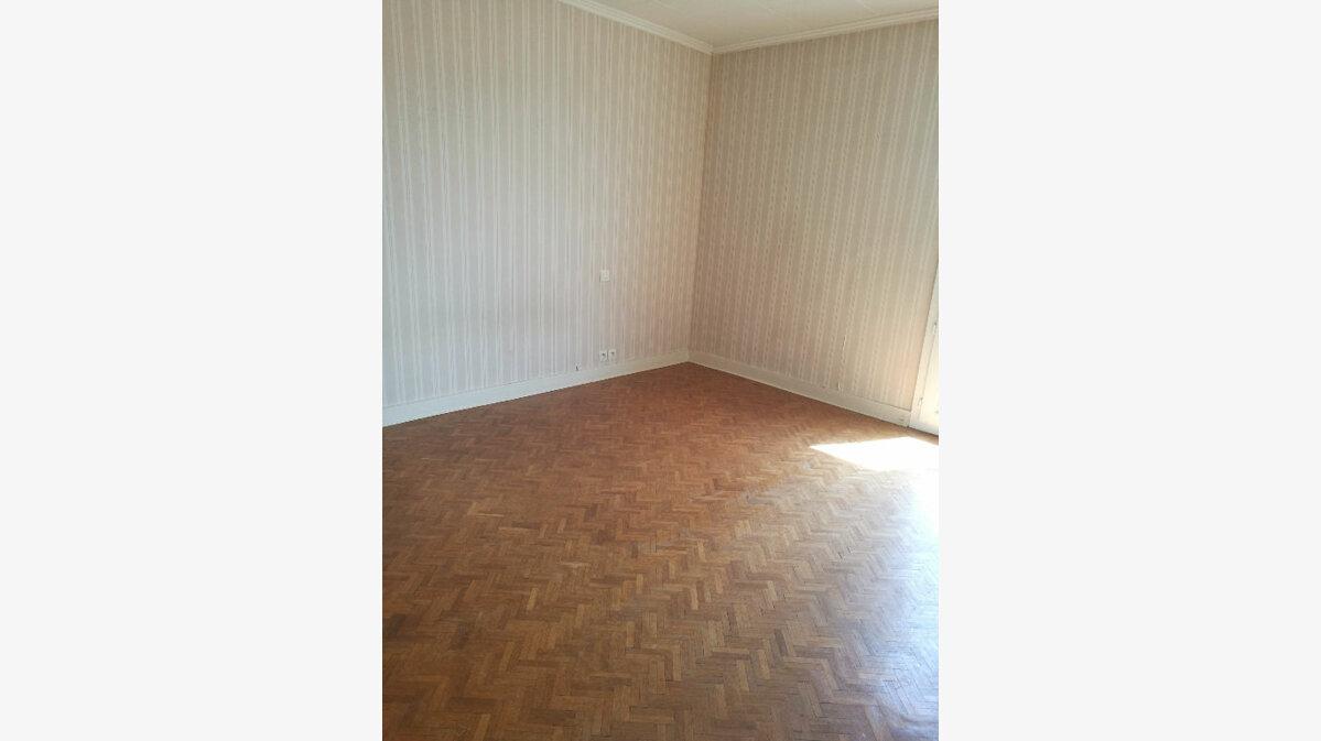 Location Appartement 4 pièces à Tours - vignette-7