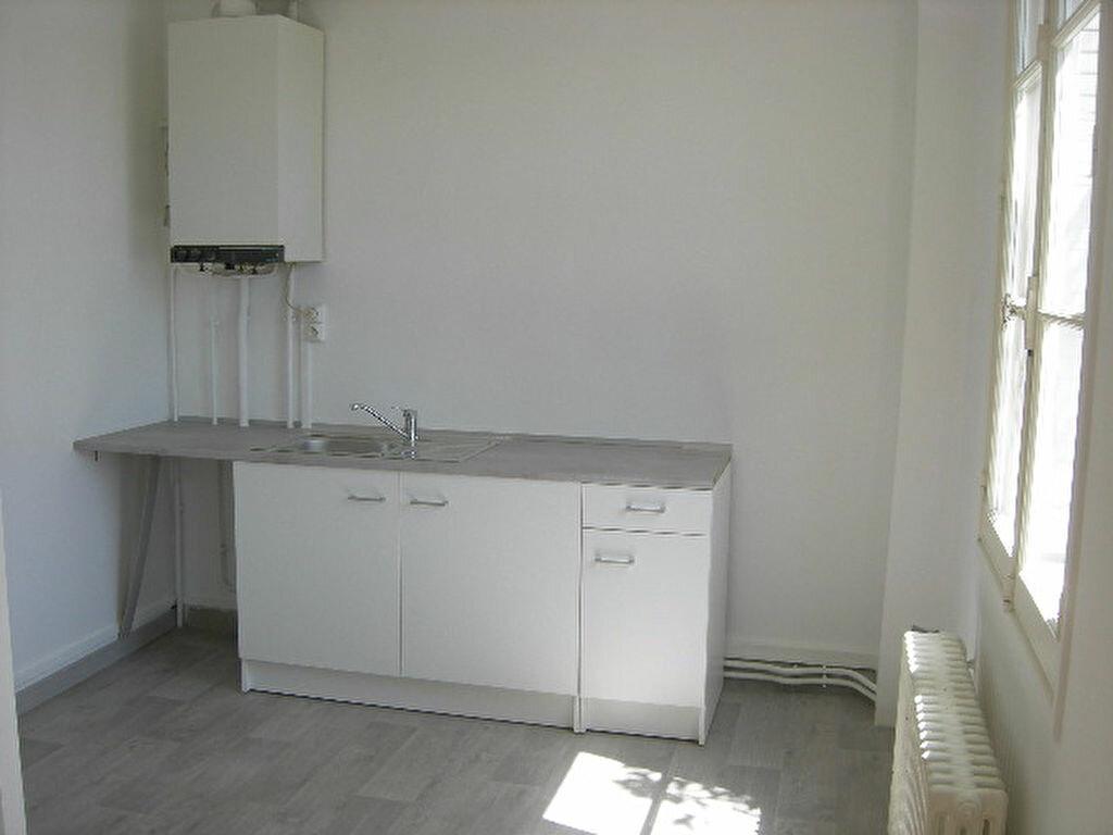 Location Appartement 2 pièces à Saint-Cyr-sur-Loire - vignette-1