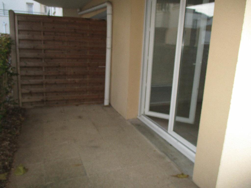 Location Appartement 2 pièces à Joué-lès-Tours - vignette-2