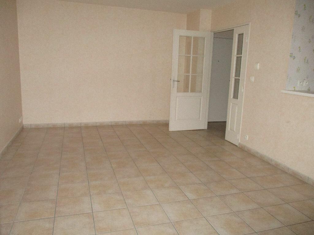 Location Appartement 2 pièces à Joué-lès-Tours - vignette-5