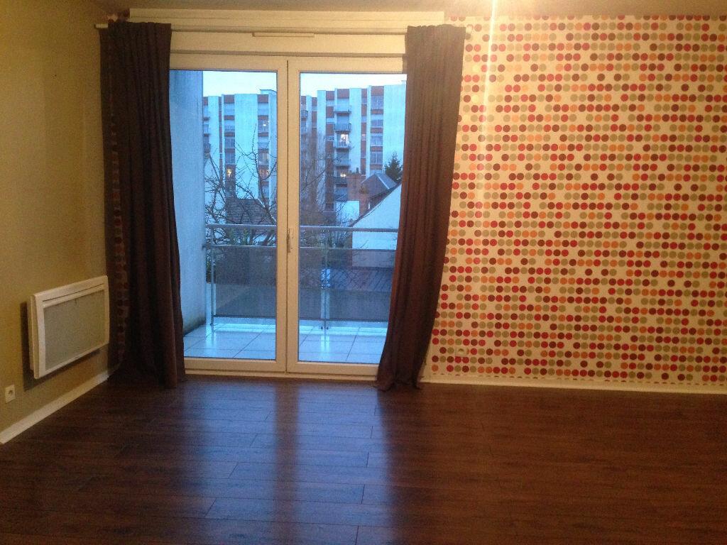 Location Appartement 3 pièces à La Riche - vignette-2