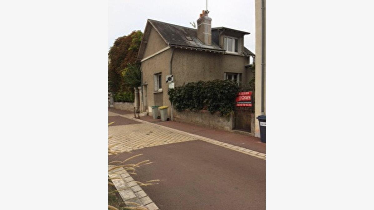Location Maison 3 pièces à Saint-Avertin - vignette-1