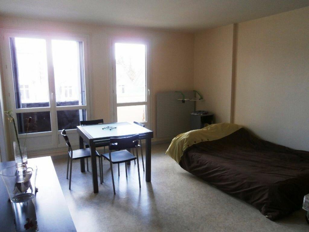 Achat Appartement 1 pièce à Joué-lès-Tours - vignette-2