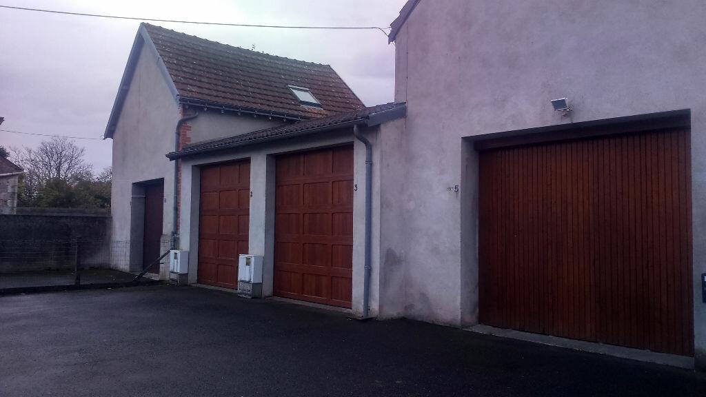 Location Stationnement  à Joué-lès-Tours - vignette-1
