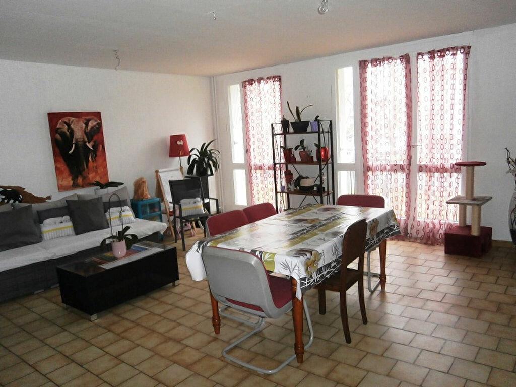 Achat Appartement 5 pièces à Joué-lès-Tours - vignette-1
