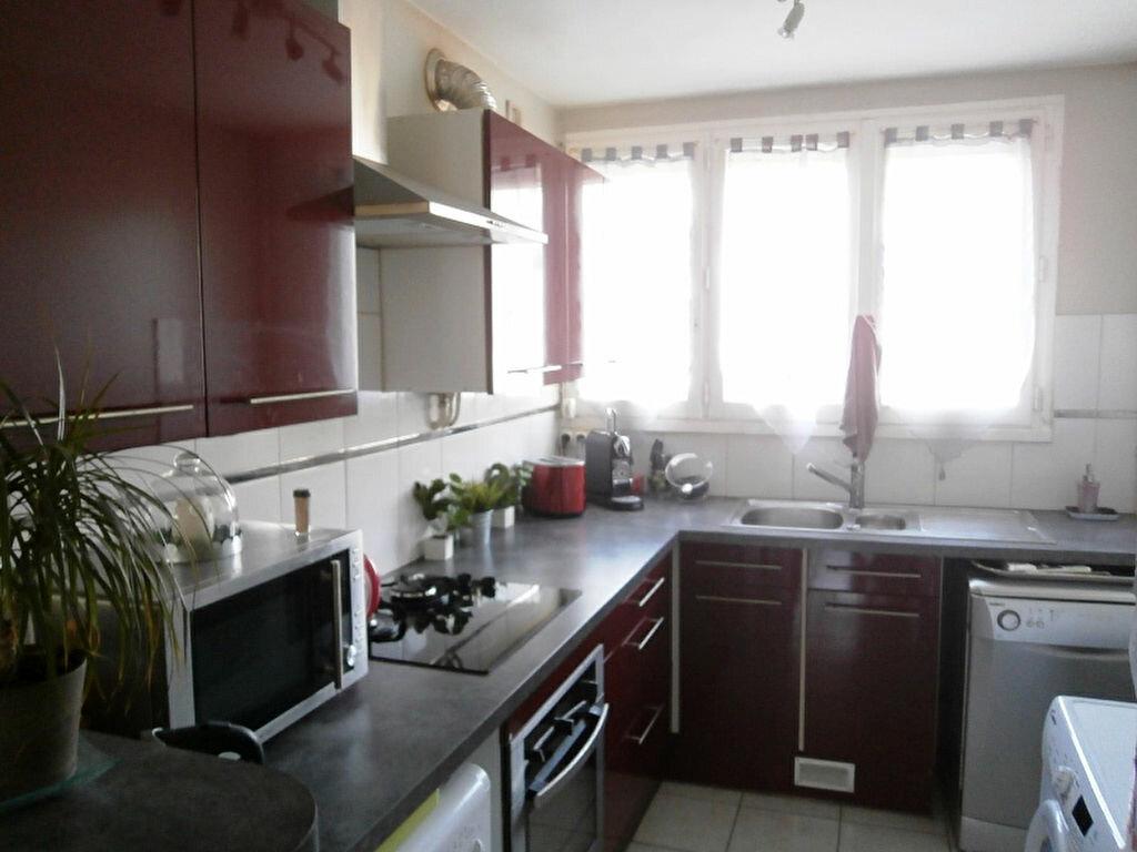 Achat Appartement 3 pièces à Joué-lès-Tours - vignette-2