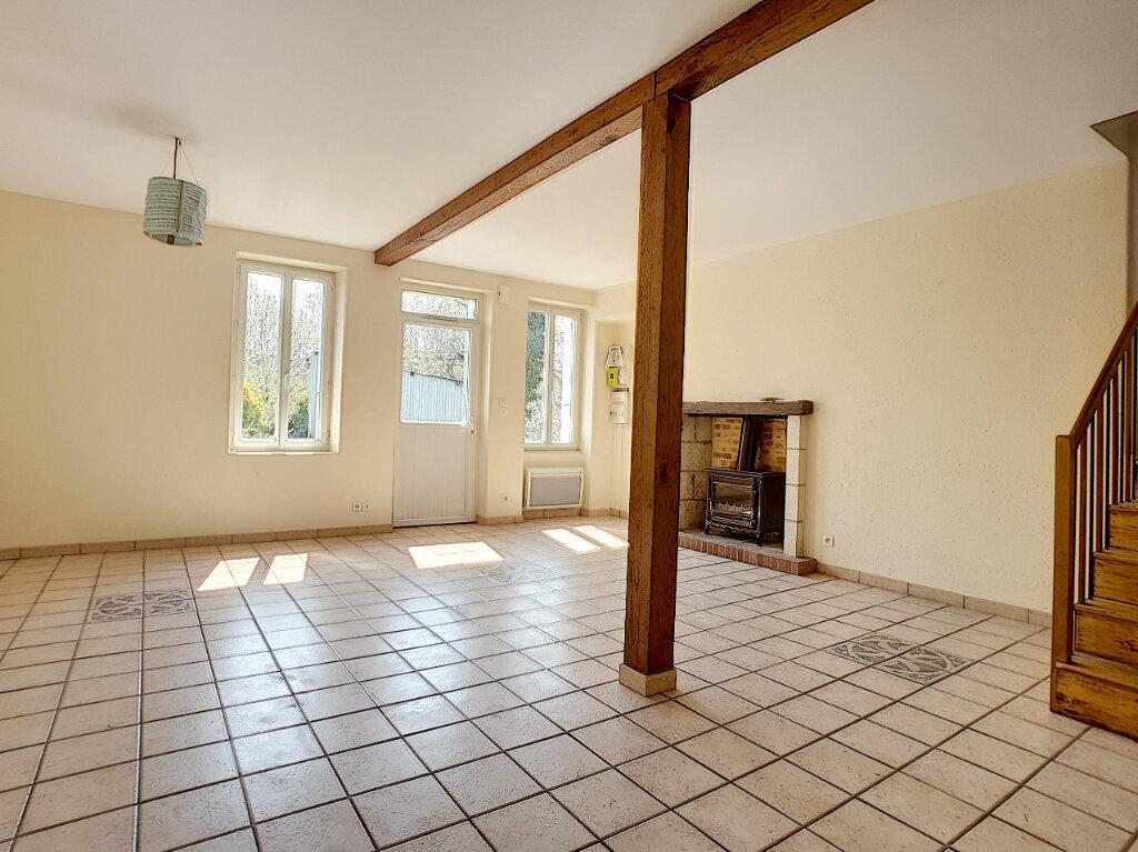 Location Maison 3 pièces à Villaines-les-Rochers - vignette-3