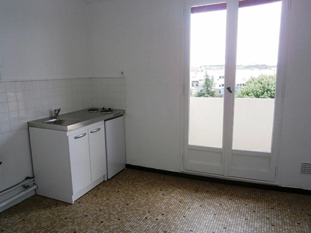 Achat Appartement 1 pièce à Joué-lès-Tours - vignette-4