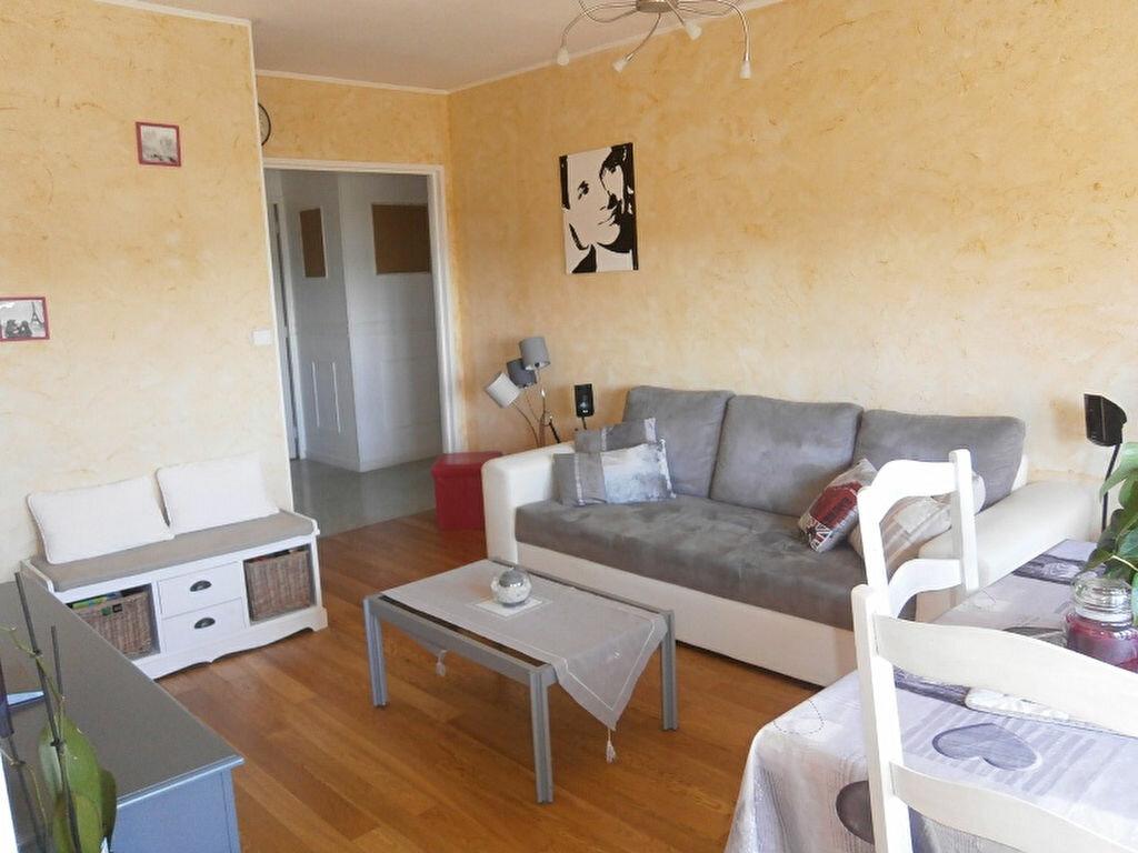 Achat Appartement 4 pièces à Joué-lès-Tours - vignette-1