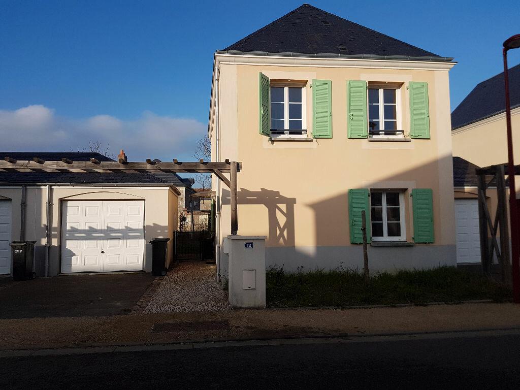 Location Maison 5 pièces à Veigné - vignette-1