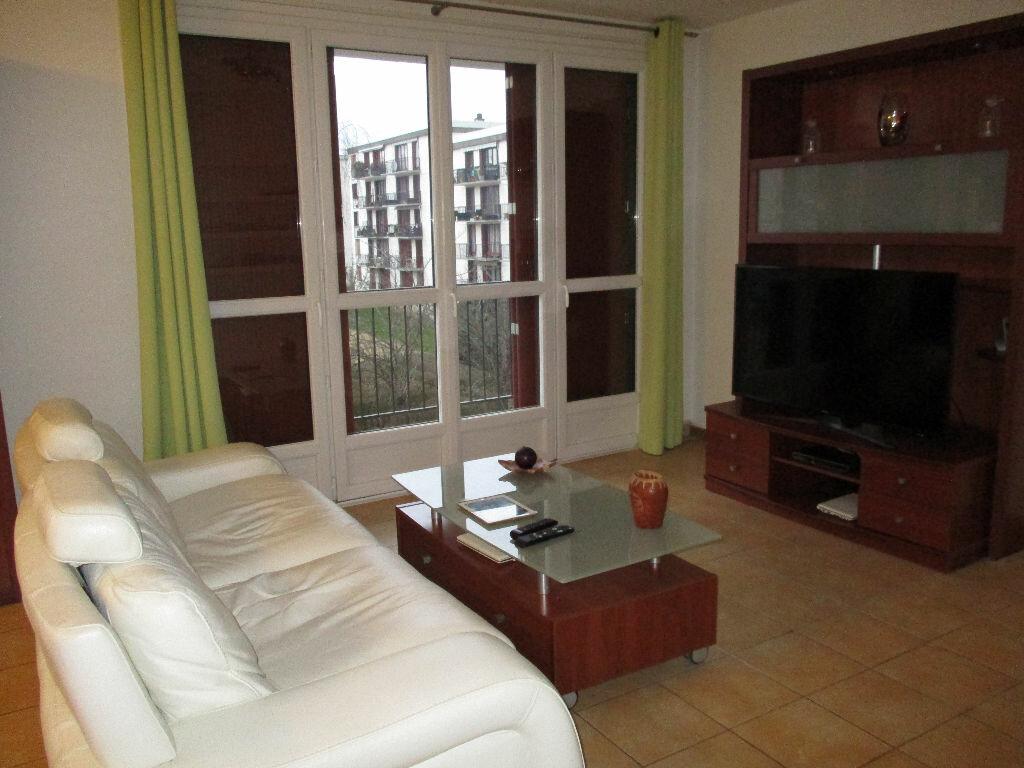 Achat Appartement 4 pièces à Joué-lès-Tours - vignette-3