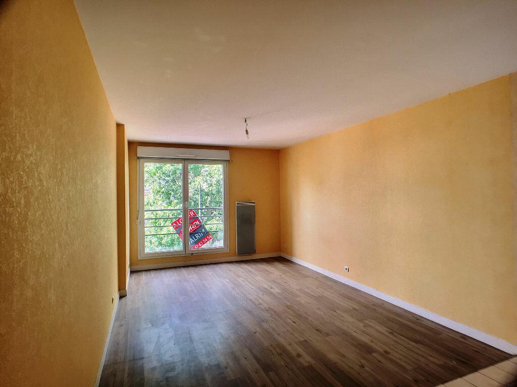Location Appartement 3 pièces à Joué-lès-Tours - vignette-1