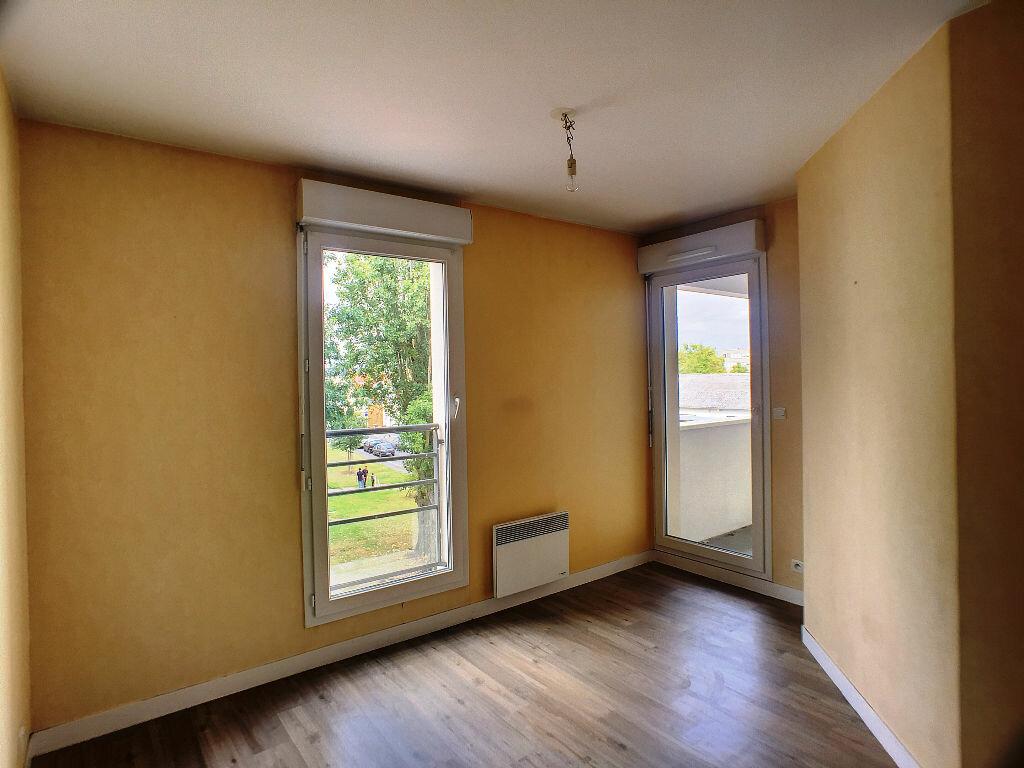 Location Appartement 3 pièces à Joué-lès-Tours - vignette-4
