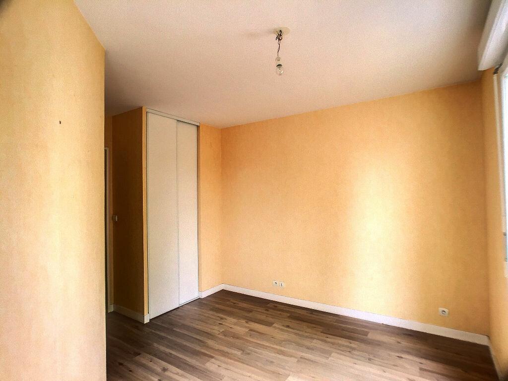 Location Appartement 3 pièces à Joué-lès-Tours - vignette-5